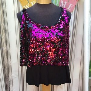 ⭐️ Top is XL black and pink sequins tank